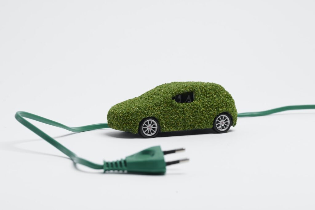 Ecological, electric car on white background -ηλεκτρικά αυτοκίνητα