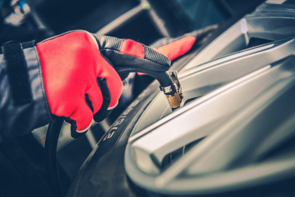 Car Tires Maintenance and air pressure / Έλεγχος των ελαστικών